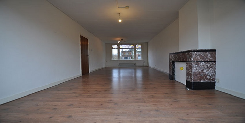 To rent apartment with six rooms on the Riouwstraat in Dordrecht Center.