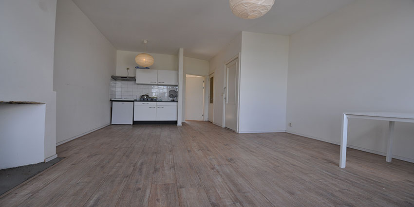 Apartment for rent with two rooms on the Noordmolenstraat in Rotterdam Center.