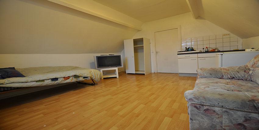 Te huur gemeubileerde studio aan de 's-Gravendijkwal te Rotterdam Centrum. (ALL-INCLUSIEF)