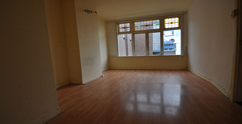 Two room house for rent offered at the Bree in Rotterdam South.