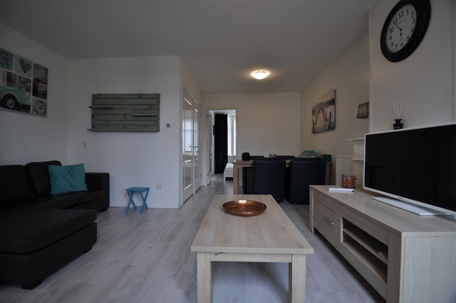 For rent furnished two room apartment at the J.A. Alberdingk Thijmstraat in Schiedam. (all-in)